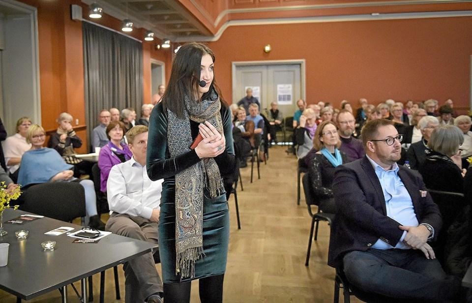 Mette Damiri, der præsenterede nogle af korene fra scenen, ser gerne at kor-maraton vender tilbage næste år. Foto: Ole Iversen Ole Iversen