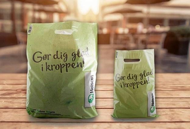 Den miljøvenlige plasticpose hos Helsam koster penge. Privatfoto