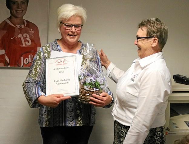 Modtageren af årets idrætspris blev Inge Nørbjerg Rasmussen fra Syvsten I.F. Prisen med diplom blev overrakt af bestyrelsesmedlem Jytte Engsig.