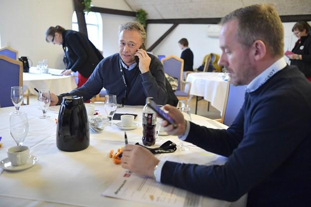 Dennis Morild, Dana Cup SportsCenter, og medindehaver af Peugeot, Johnny Lindrup Nielsen.Foto: Bente Poder