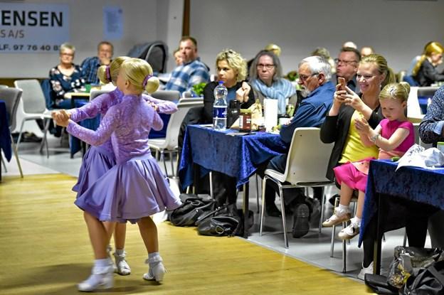 Entusiastiske forældre på sidelinien. Foto: Ole Iversen Ole Iversen