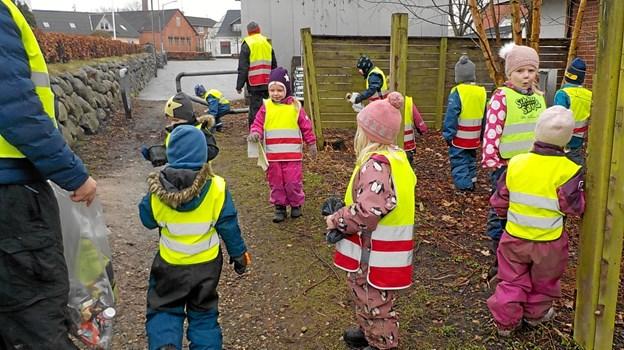 En hel uge koncentrerede børnene i institutionerne i Haverslev og Ravnkilde sig om at indsamle affald i naturen, heriblandt masser af cigaretskod. Privatfoto