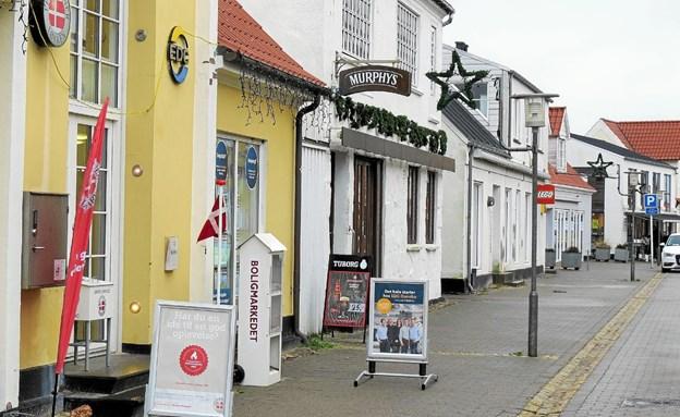 Feriepartner Løkken flytter ti Søndergade 18, det sidste hus på billedet. Foto: Kirsten Olsen