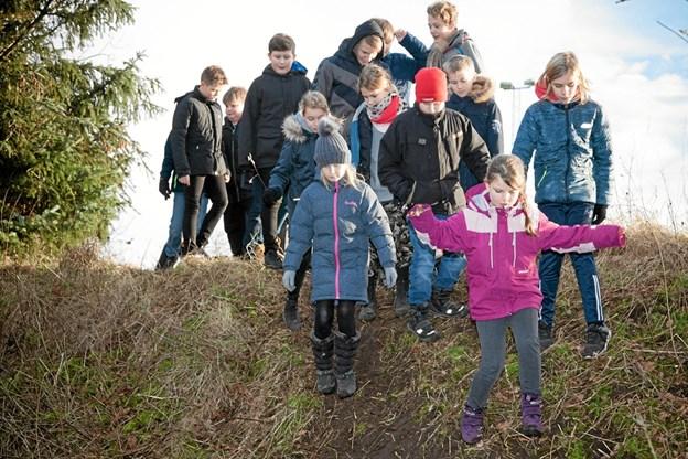 De mange elever, der var fra 4. til 9. klasse, var dog ikke alle på cykel, idet sporet også kan benyttes til løb, eller blot til, at gå en tur, og nyde naturen. Foto: Peter Jørgensen Peter Jørgensen