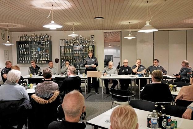 Der var pæn tilslutning til Sindal Idrætsforenings generalforsamling forleden. Formanden Luise Nielsen fremlægger her bestyrelsens beretning for året 2018. Foto: Niels Helver