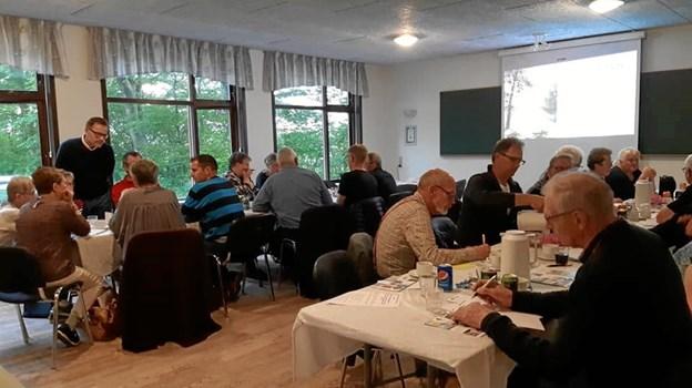 Landsbyrepræsentanter fra Aalestrup-egnen i gang med at indkredse deres egne landsbyers DNA. 12. juni kommer turen til landsbyerne på Farsø-egnen. Privatfoto