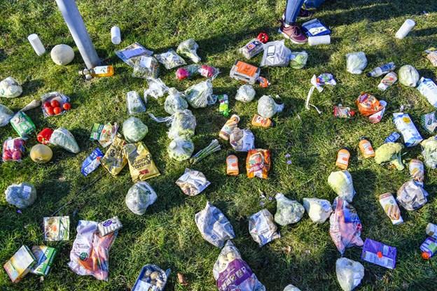 Torsdag i sidste uge var der demonstration foran Rådhuset i Frederikshavn, som satte fokus på madspild. Foto: Kim Dahl Hansen Foto: Kim Dahl Hansen