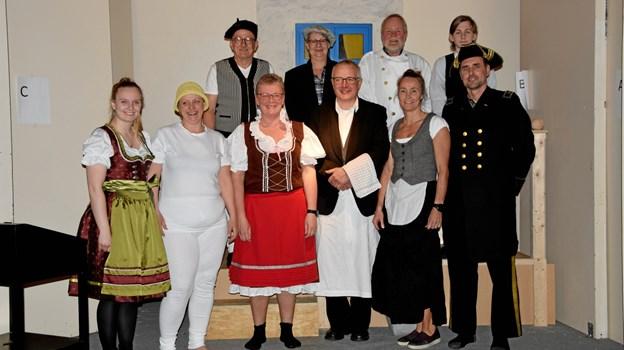 (Næsten) hele teaterholdet i Norup. Privatfoto