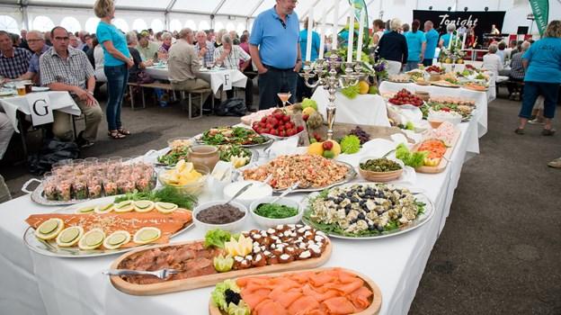 Lækkerier på rad og række ved en tidligere Skaldyrsfestival. Arkivfoto: Bo Lehm.