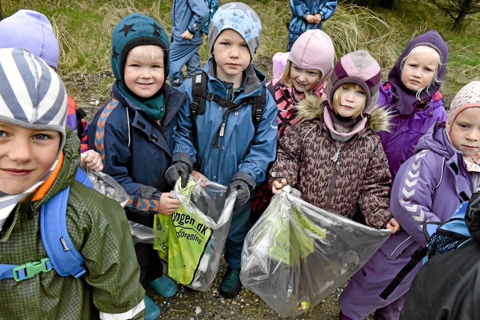 Børn i Hanstholm brugte også en dag ude i naturen for at samle affald ind. Arkivfoto