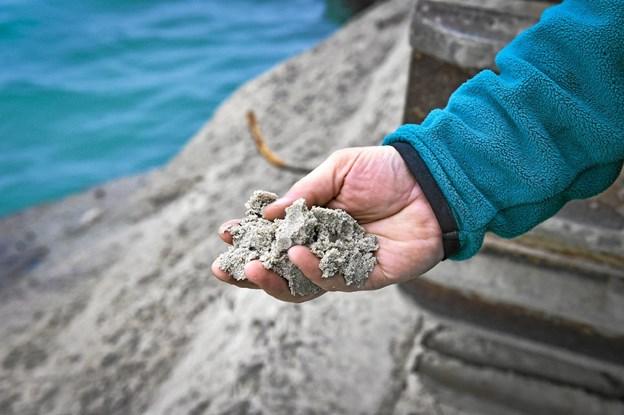 Hver af de hule betonsænkekasserer er fyldt med næsten 500 kubikmeter af det fineste sand.Foto: Ole Iversen Ole Iversen