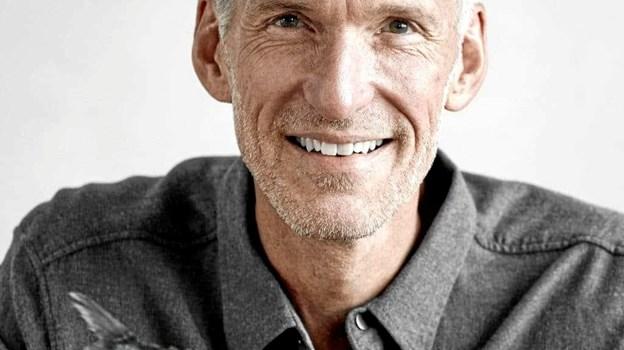 """Jerk W. Langer har udviklet begrebet antiinflammatorisk kost og er blandt andet forfatter til bøgerne """"21 helbredende dage med antiinflammatorisk kost"""" og """"Sundt blodtryk på 14 dage"""". PR-foto"""