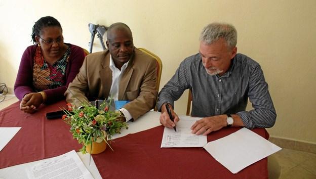Der skrives under på Memorandum of Understanding.