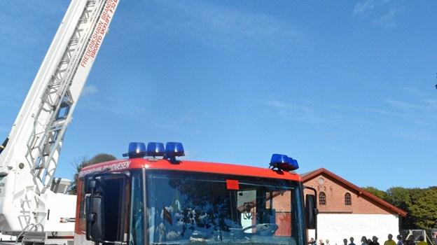 Frederikshavn Beredskab er tilbagevendende gæster til Stafet For Livet, og i år giver de igen mulighed for at se stafetten fra oven fra deres stigevogn - men man skal ikke være højdeskræk for den rækker faktisk hele 32 meter op i vejret.