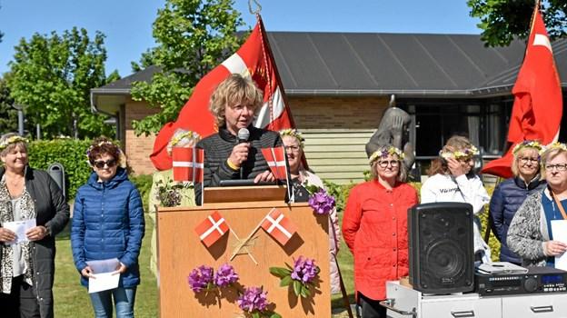 Ældrechef Lone Iversen holder den traditionelle OL tale, hvorefter konkurrencerne kan begynde. Foto: Niels Helver Niels Helver