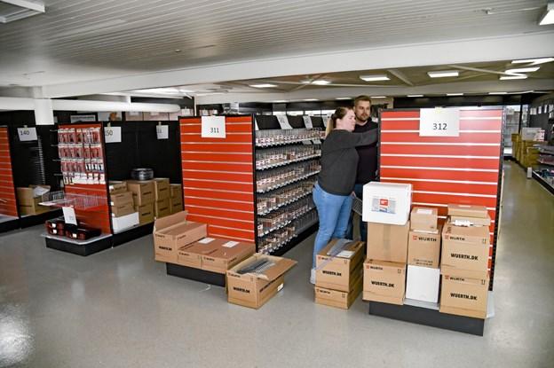 Et stort hold af folk fra butikker i Jylland er i Thisted for at gøre klar til åbning primo juni. Foto: Ole Iversen Ole Iversen