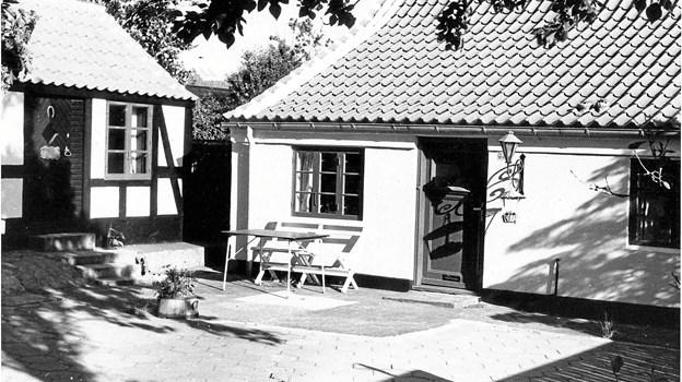 Mads Henriksens hus ligger stadig på Vesterbyvej 33a, men er siden 1867 blevet delt op og har undergået store forandringer.