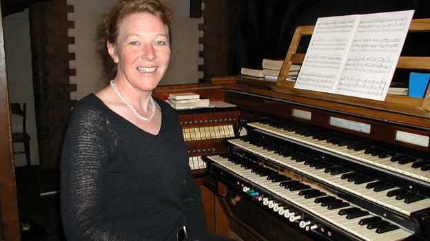 Lise-Lotte Kristensen, her på et lidt ældre foto, leverer musikken lørdag 15. december i Frederikshavn Kirke. Arkivfoto