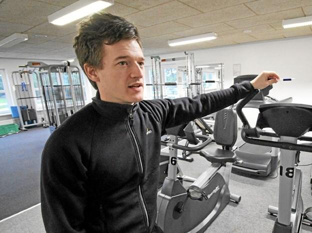 Fysioterapeut Kasper Sejr Madsen stod klar til at modtage og vejlede nye medlemmer i Motionscentret.Foto: Jørgen Ingvardsen