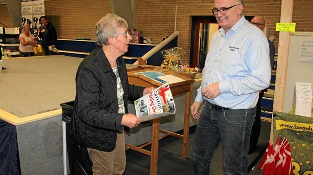 Vinder af gavekort på 5.000 blev Tove Honum fra Tårs - Knud Madsen fra Hjørring kunne også gå hjem med et gavekort på 5000 kroner. Privatfoto: Else Harpsøe