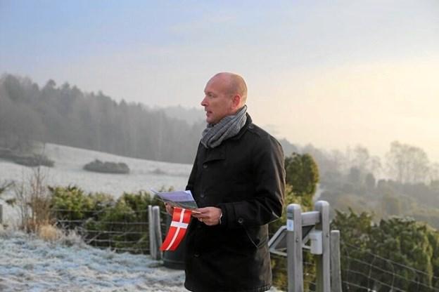 Byrådsmedlem og folketingskandidat, Jens Henrik Kirk, holder tale i Bramslev Bakker. Privatfoto