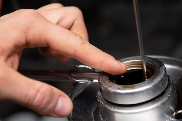 Men en finger kan man tabge en lille smagsprøve. Foto: Henrik Bo