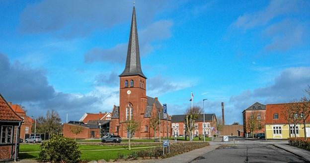 Det var en blæsende søndag eftermiddag, hvor man kunne finde læ og dejlig orgelmusik. Foto: Mogens Lynge Mogens Lynge