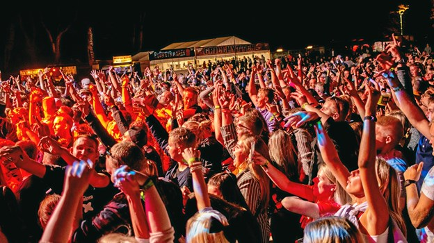 Når sidste band er gået af scenen, fortsætter VesterhavsRock som noget nyt med en nattefest til klokken 01.  Foto: VesterhavsRock IJA.001