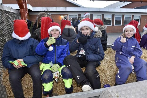 Aksel, Benjamin, Nicklas og Johanne er klar til årets juleoptog i Snedsted. Foto: Ole Iversen