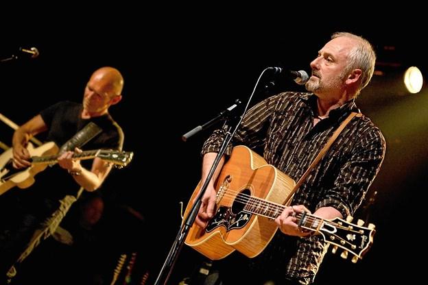Allan Olsens sange og hans fortællinger spidder og fornøjer. På lørdag er han i Thisted. Pressefoto: Martin Dam. Foto: Ole Iversen