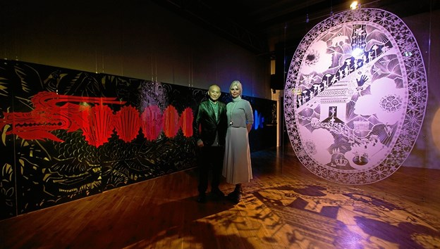 De to kunstnere ved udstilling i Vejle. Pressefoto
