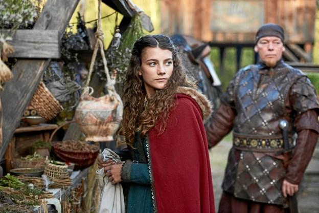 Rebecca Emilie Sattrup spiller Skammerens Datter, der har arvet sin fars magiske evner. Dem får hun brug for i kampen for at redde sine venner. Foto: Fjerritslev Kino