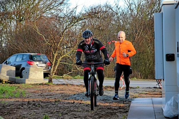 De små skovstier er spændende at køre på for mountainbikerne. Foto: Hans B. Henriksen Hans B. Henriksen