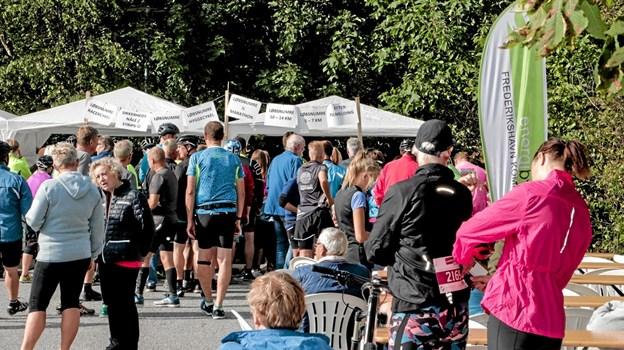 400 tilmeldte deltagere var mødt op ved startlinien til LandsbyLøbets 6. etape i Ålbæk tirsdag aften. Foto: Peter Jørgensen Peter Jørgensen