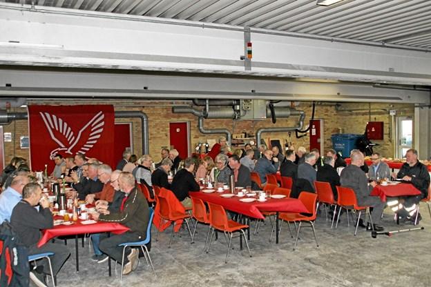 50 personer var mødt op for at hylde 40 års jubilaren. Foto: Hans B. Henriksen Hans B. Henriksen