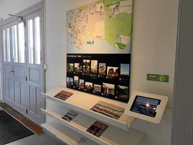 VisitAalborg og Nordjyllands Historiske Museum udvider samarbejdet og opretter selvbetjent turistinformation på Hals Museum. Foto: Nordjyllands Historiske Museum