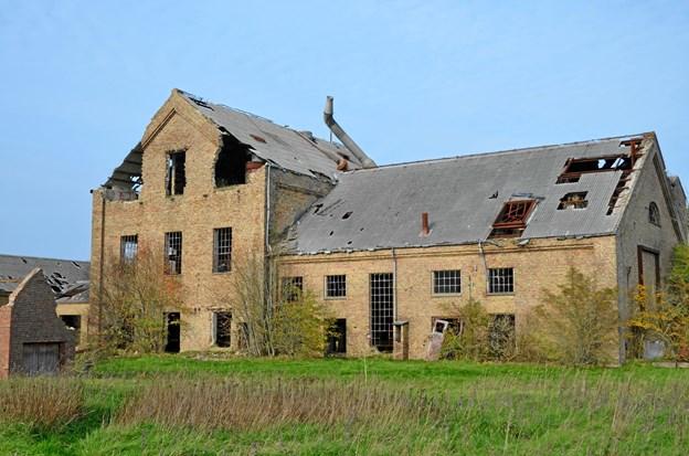 Fabrikken er i dag stærkt forfalden. Den har stået delvist uden tag i flere år. Privatfoto
