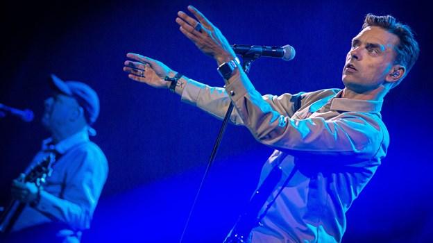 Her er det Simon Kvamm, som er forsanger i Nephew, der trak et kæmpe publikum til Stor Scene. Foto: Martin Damgård