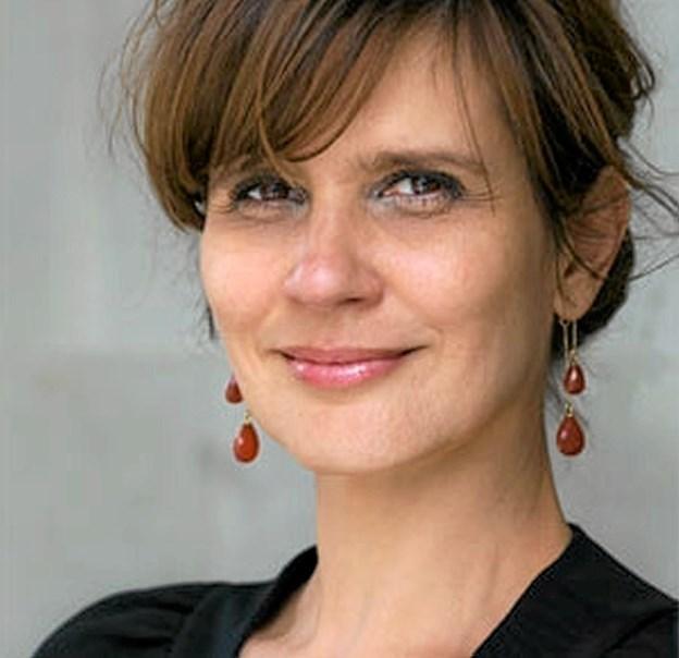 """Birgithe Kosovic har før vundet priser for sine romaner. Hendes roman om Erik Scavenius """"Den inderste fare"""" handler om ægteskabsdrama og danmarkshistorie i ét.Foto: PR-foto"""