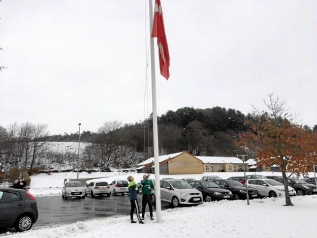Flaget blev hejst, og så var man klar til den ny sæson, som for første gang i 40 år skal foregå i serie 2. Privatfoto