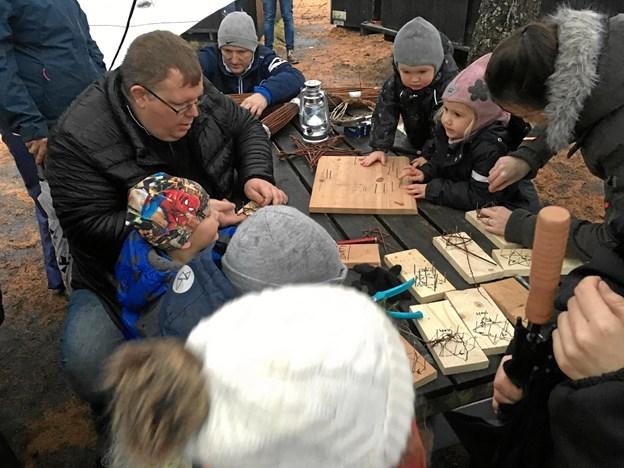I Julemandens værksted i Jenle Plantage var der tilbud om forskellige kreative aktiviteter. Privatfoto