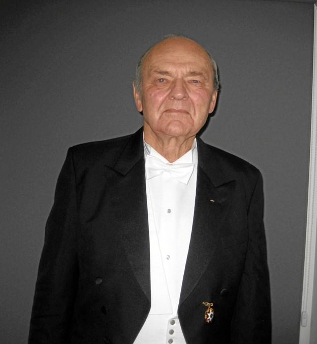 Knud Funder Sørensen med sit nyerhvervede 25 års hæderstegn. Privatfoto
