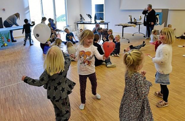 Ballonspil med fluesmækkere er sjovt... Foto: Ole Iversen Ole Iversen