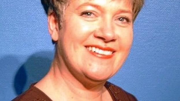 Sanger Annette Bo Nielsen medvirker i en salmesangsaften i sognegården i Skørping. PR-foto