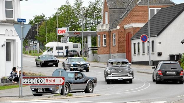 Både biler og motorcykler tog på cruise lørdag formiddag. Her ses nogle af bilerne i Arden. Foto: Jesper Bøss Jesper Bøss