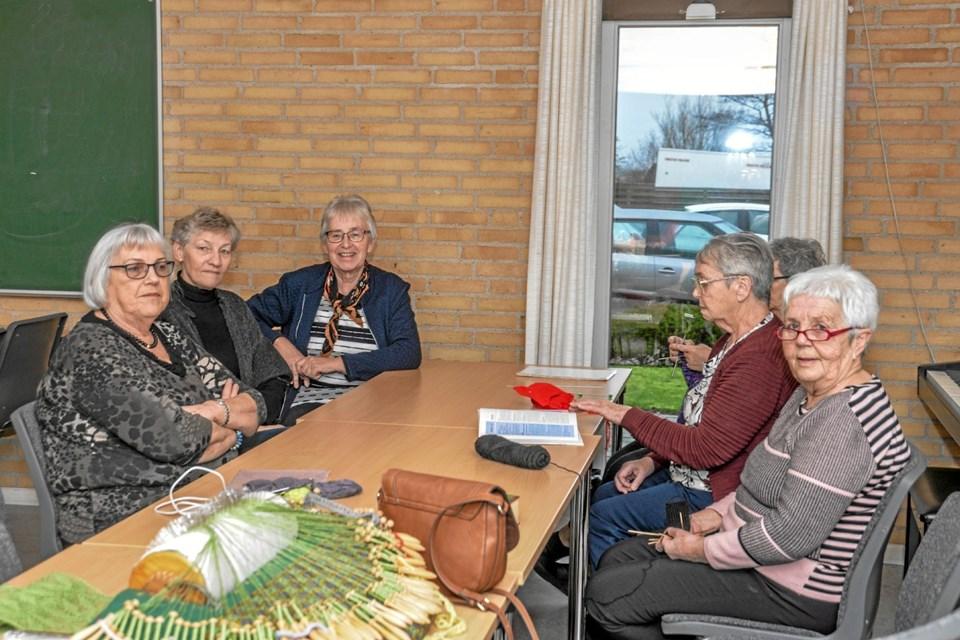 Der hygges til torsdags-træf i Menighedshuset i Aggersund, hvor alle er velkomne - med eller uden bøger.  Foto: Mogens Lynge Mogens Lynge
