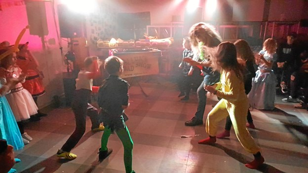 Som afslutning på skolefesten var der diskotek med DJ Lua.    Privatfoto