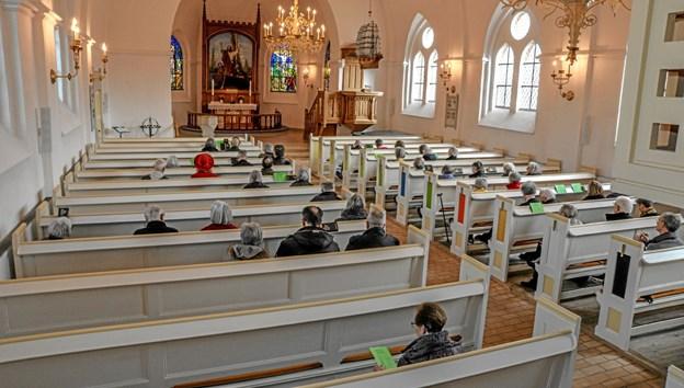 En velbesøgt Løgstør Kirke søndag eftermiddag, hvor mange nød Asbjørn Høgholms orgelkoncert. Foto: Mogens Lynge Mogens Lynge
