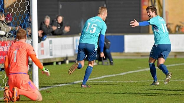 Morten U. Thomsen (tv.) stod for et af målene, da Jammerbugt lørdag spillede 2-2 mod svenskere. Arkivfoto: Bente Poder