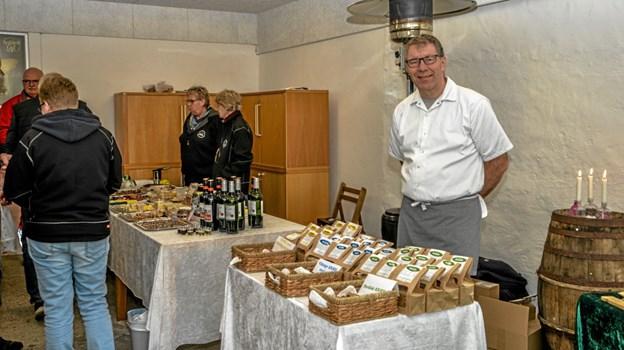 Der var noget for enhver smag samlet i Ostemandens hus i Vindblæs fredag. Foto: Mogens Lynge